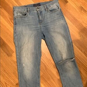 Great Condition Lucky Brand destroyed Skinny Jeans